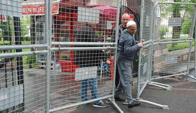 Diyarbakır'ın göbeğindeki park 11 gündür abluka altında