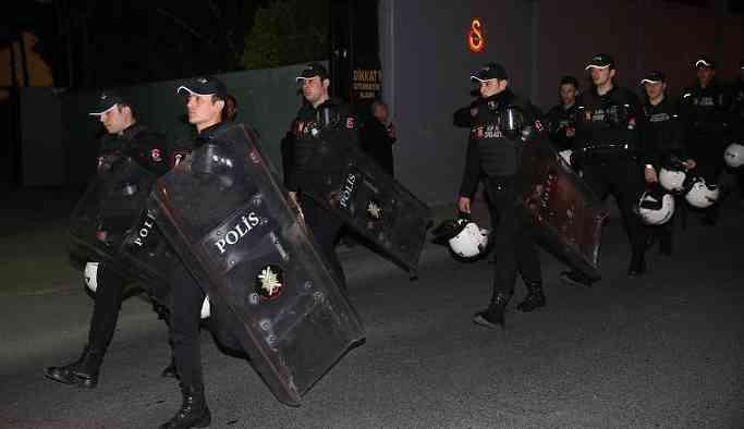 Galatasaray-Başakşehir maçı öncesi polisten garip önlem