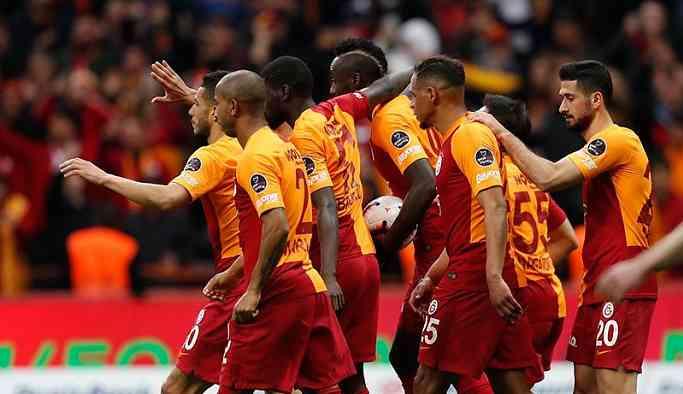Galatasaray, Beşiktaş maçından lider ayrıldı