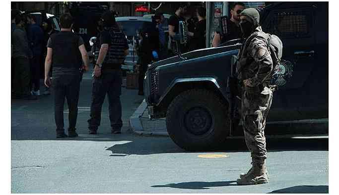 İdil Kültür Merkezi'ne polis operasyonu
