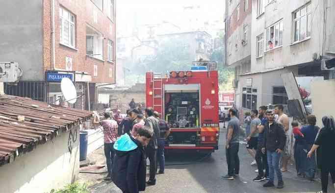 İstanbul'da can pazarı: Çocukları ikinci kattan attı