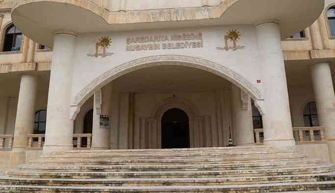 Nusaybin Belediyesi girişine de polis yerleştirildi