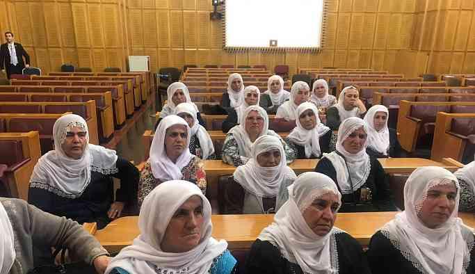 Oturma eylemindeki anneler Meclis Başkanı Şentop ile görüştü