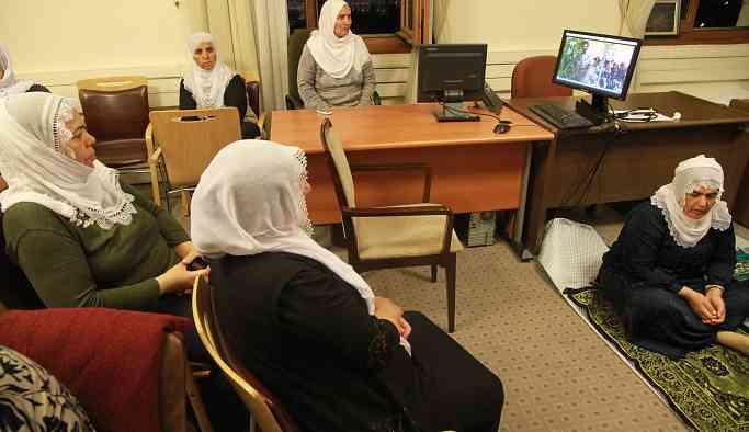 Türkiye tarihide bir ilk: 21 Beyaz tülbentli 5 gündür Meclis'te oturma eyleminde