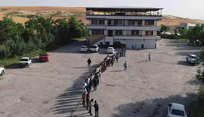 300 torun, 56 çocuk 'Hamo Ağa'nın bayramını kutladı