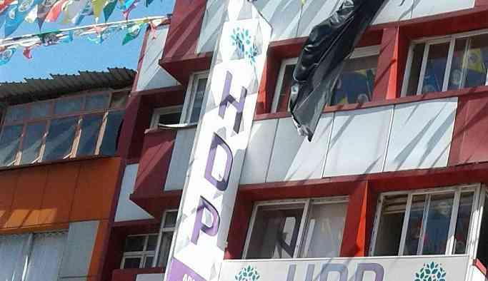 HDP il binasında toplanmak suç oldu