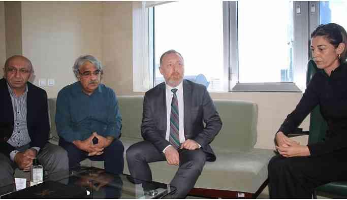 HDP'li heyet Dengir Mir Mehmet Fırat'ı ziyaret etti