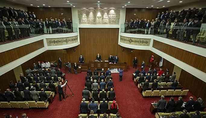 Su indirimi AKP grubunu böldü: 'Parti evet dese de hayır diyorum'
