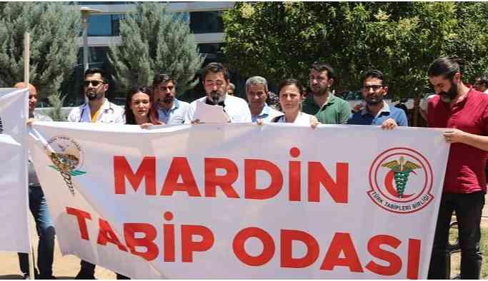 Mardin'de sağlık çalışanlarına yönelik şiddet protesto edildi