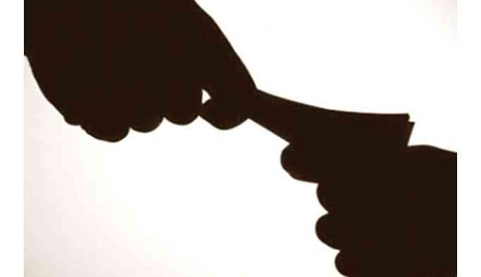 Paralı devlet okulu: Bağış adı altında soygun...