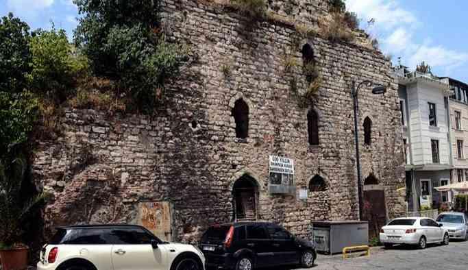 550 yıllık tarihi hamam 3.5 milyon dolara satışa çıkarıldı