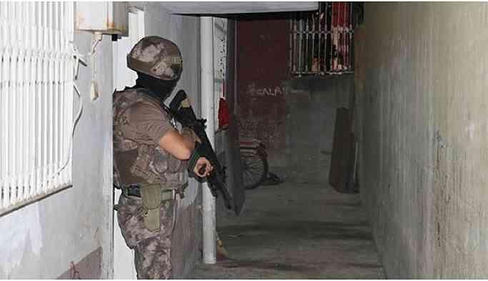 Adana'da 20 gözaltı