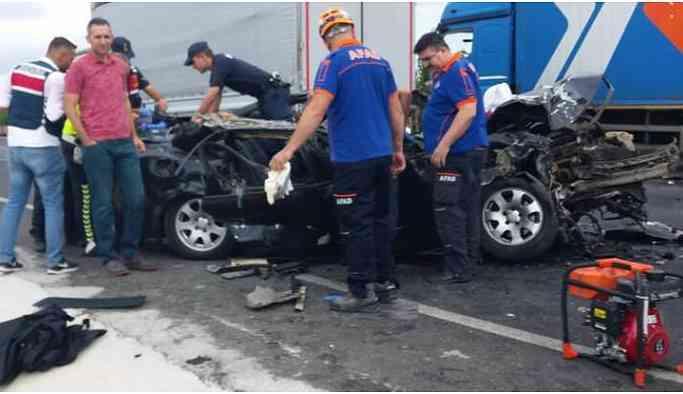Feci kaza! Araç sürücüsü yaşamını yitirdi