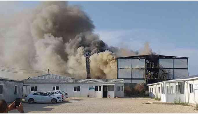 İşçilerin kaldığı konteynerlerde yangın çıktı