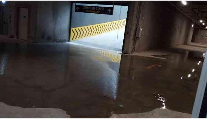 Milyarlık şehir hastanesini su bastı!