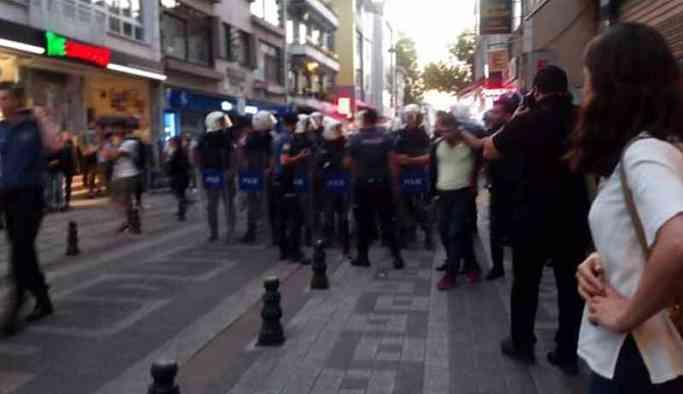 Sıcak Haber... Polis biber gazı ve plastik mermilerle müdahale ediyor! Çok sayıda gözaltı
