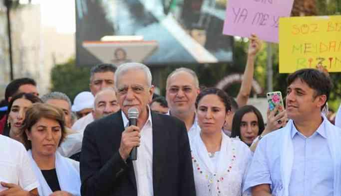 Ahmet Türk: Tehditlere boyun eğseydik 46 yıl bu siyaseti sürdürmezdik