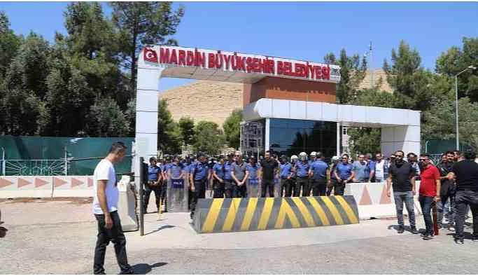 Mardin'de kayyum 187 işçiyi işten çıkardı