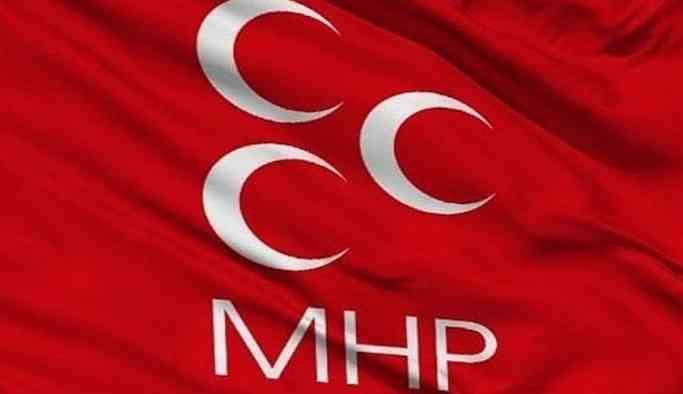 MHP'de yaprak dökümü! İki istifa bir görevden alma