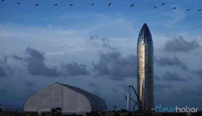 Musk, Ay'a ve Mars'a insan taşıyacak 'Starship'i tanıttı