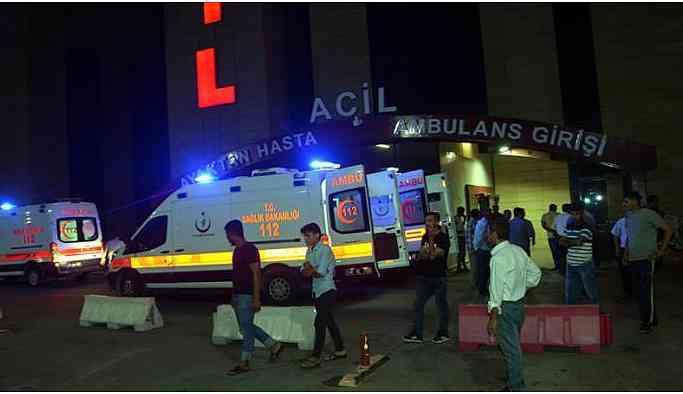 Otomobil dereye devrildi: 3 ölü, 5 yaralı