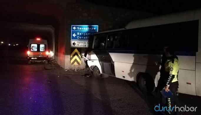 Soma'da madencileri taşıyan midibüs ile kamyon çarpıştı: 26 yaralı