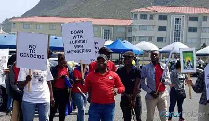 Güney Afrika'da Türkiye Büyükelçiliği önünde Rojava eylemi