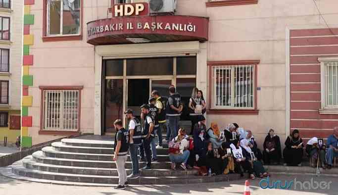 'Ailelere, HDP binası önündeki eyleme katılması için iş ve para teklifi' iddiası