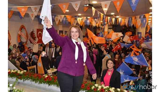 Vatandaşlar işsizlikten intihar ederken, AKP'de aile boyu atama!