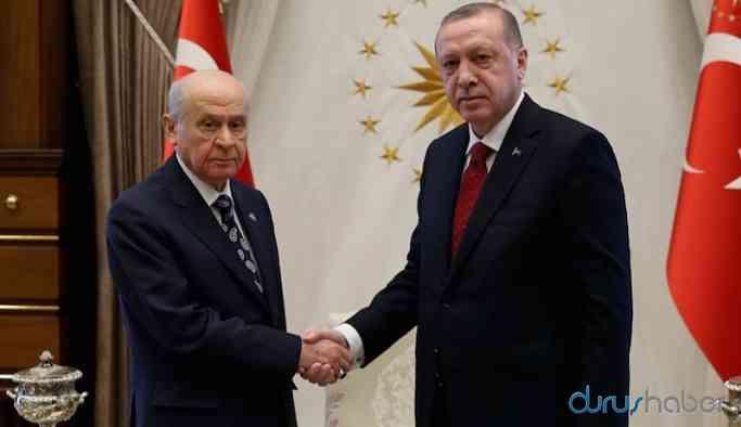 AKP'nin oyu MHP'ye kayıyor; Davutoğlu radikalleri çekebilir