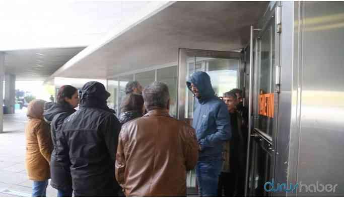 HDP'li meclis üyeleri belediyeye alınmadı: Yukarıdan emir var