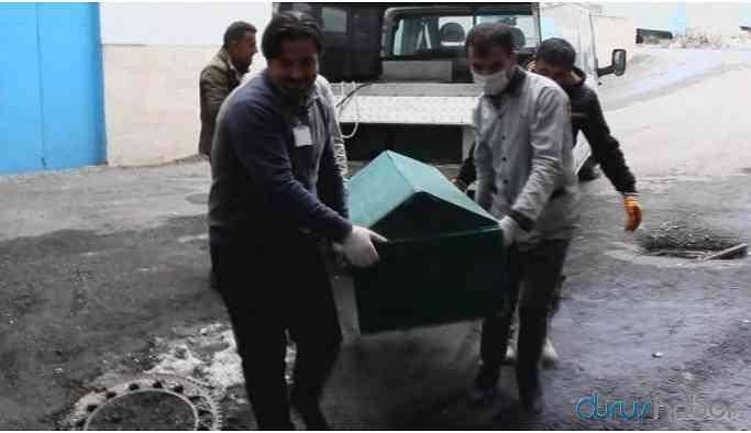 İran sınırında donarak ölen mültecinin cenazesi bulundu