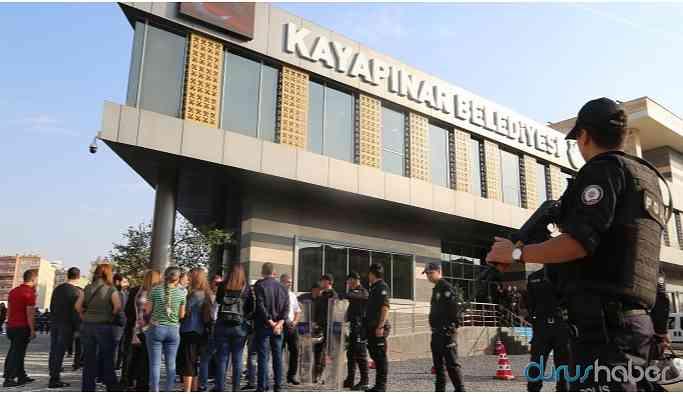Kayyum alkışlı protestoya katılan 6 işçinin işine son verdi