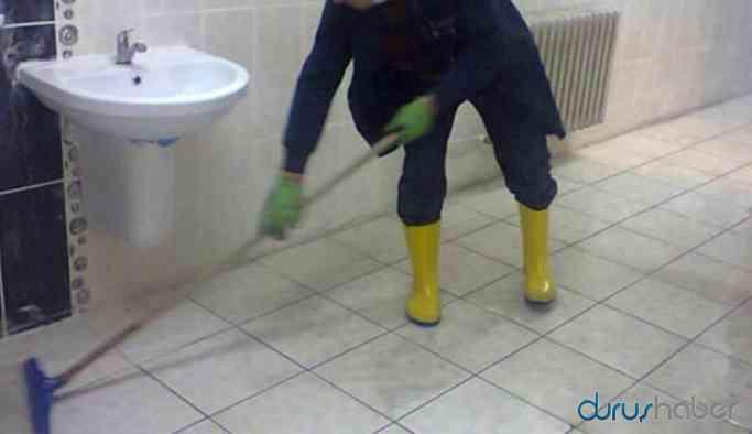 Liselilere tuvalet temizleme talimatı
