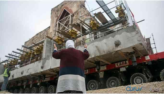 El-Rızk Camisi yeni yerine taşındı