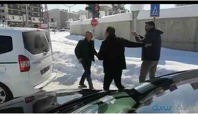 HDP'li Milletvekili kendisini takip eden aracı teşhir etti