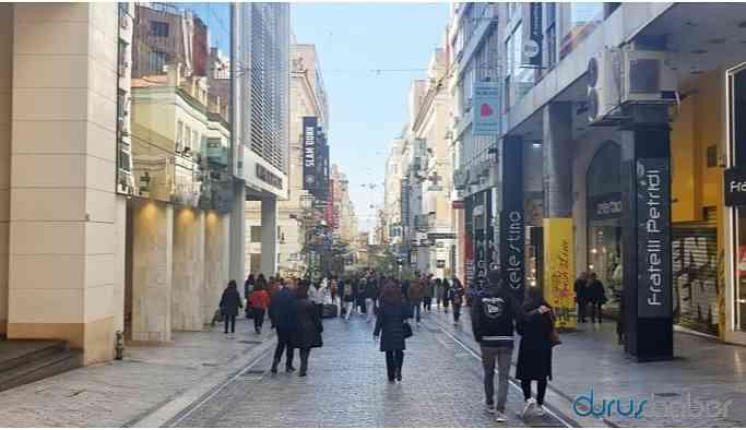 Yunanistan'da sokağa çıkma yasağı ilan edildi