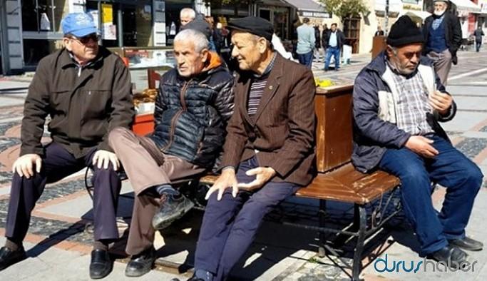 65 yaş üstüne sokağa çıkma izni geliyor