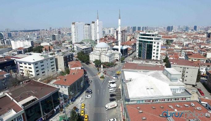 İstanbul'da bazı meydan ve caddeler yayalara kapatıldı