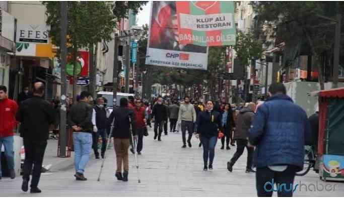 Karşıyaka Çarşısı'nın giriş çıkışları kapatıldı