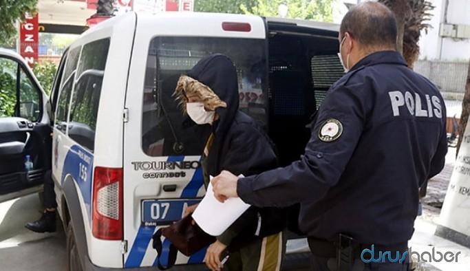 Şiddet gören kadın polis aracının gözaltı bölümüne konuldu