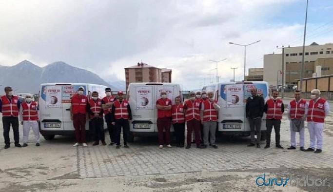 Kızılay, AKP'li belediyeyle yemek dağıtımı yaptı