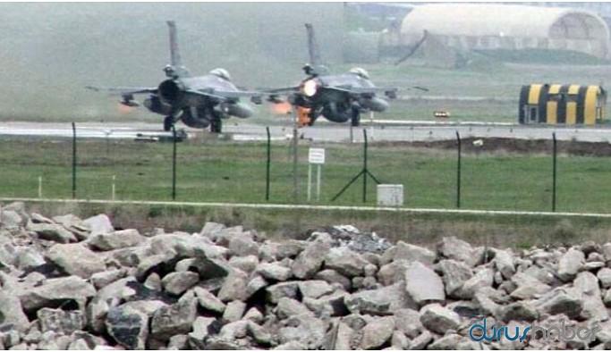 Diyarbakır Havaalanı'na savaş uçakları iniş yaptı