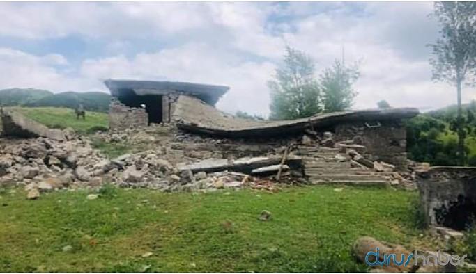 Dün hasar gören evler bugün sarsıntıda yıkıldı