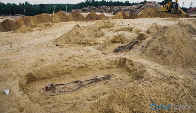 16. yüzyıl mezarlığında ağzında sikke olan 100 çocuk bulundu