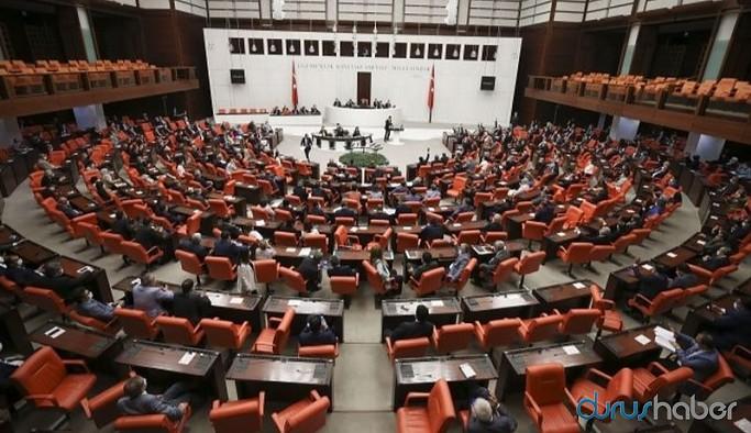 AKP sosyal medya teklifini Meclis'ten geçirdi, ardından TBMM tatil edildi