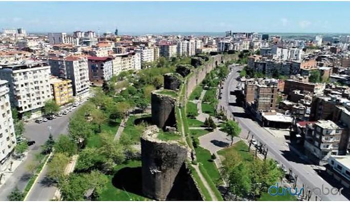 Diyarbakır'da AKP'li 12 ilçe başkanı istifa etti