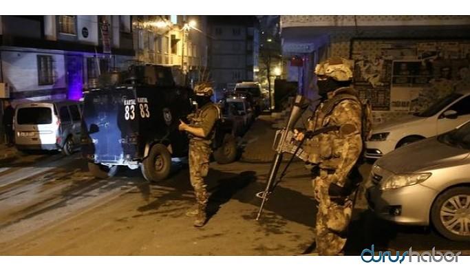 İstanbul'da ev baskınları: 7 gözaltı
