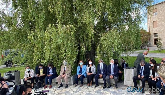HDP Meclis bahçesinde oturma eylemi başlattı
