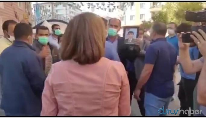 İl binası önünde bekleyen aileleri dinleyen Beştaş'a polis engeli
